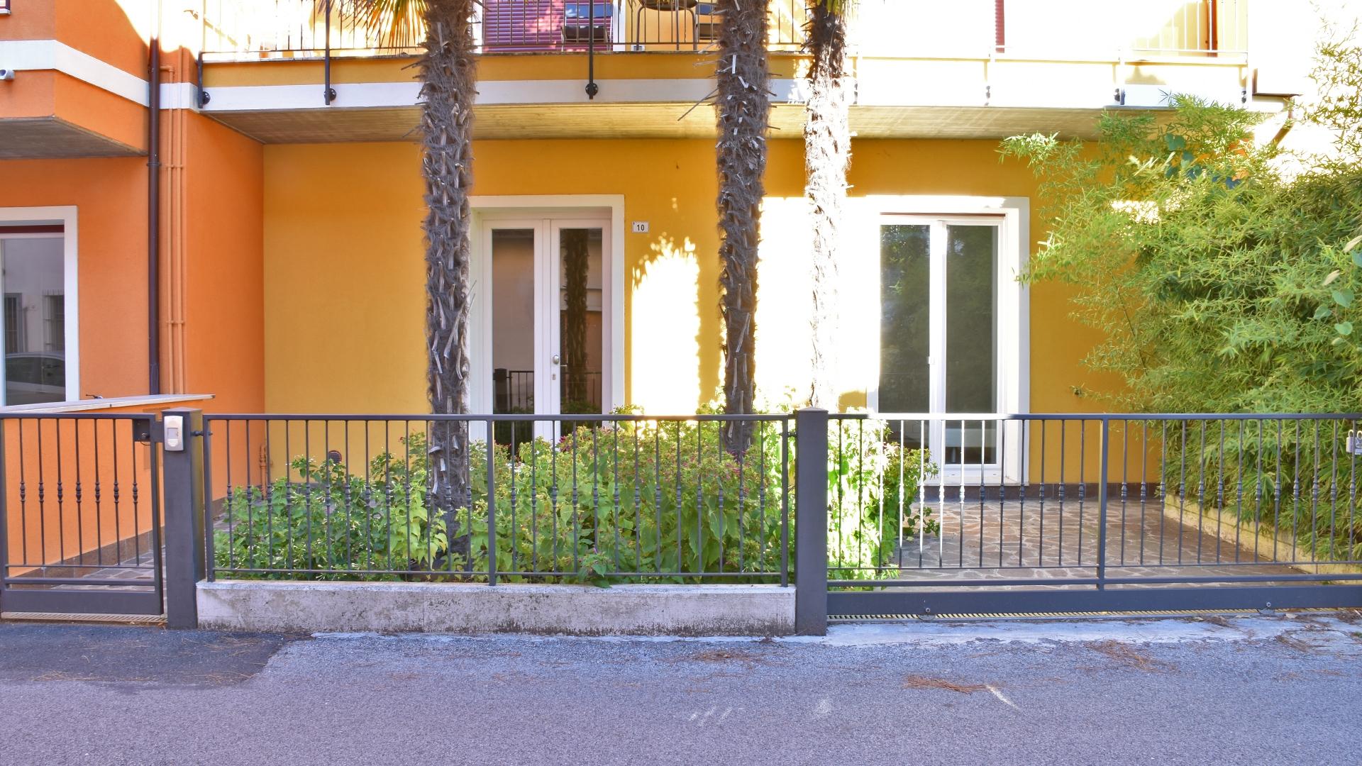 Appartamento in affitto a ravenna al piano terra con giardino for Contratto affitto appartamento arredato